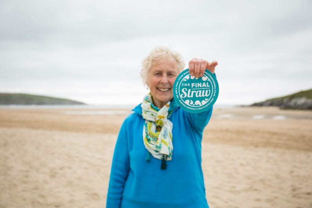 70 year old cleans beach, ocean cleanup, how to save the ocean, ways to save the ocean, how to reduce pollution, ways to clean the ocean, Final Straw Cornwall, grandma cleans beach, ocean pollution